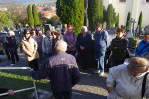 Dušičkové rozjímání na hřbitově pro Klub Světlov